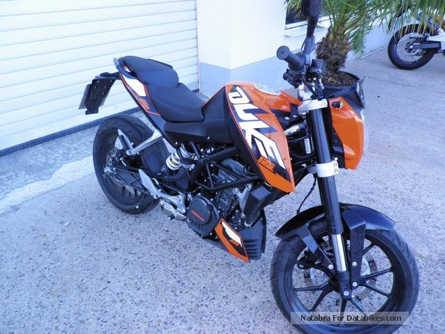 2013 KTM  125 Duke, demonstrators already with ABS! Motorcycle Naked Bike photo