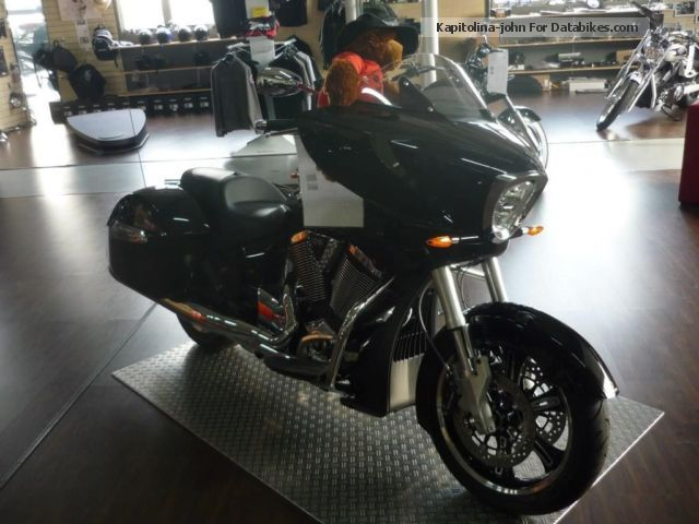 2012 VICTORY  Cross Country 2013 ABS Motorcycle Chopper/Cruiser photo