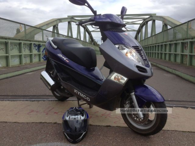 2003 Hyosung  125 DINK ready TÜV14 checkbook 4l consumption Motorcycle Scooter photo