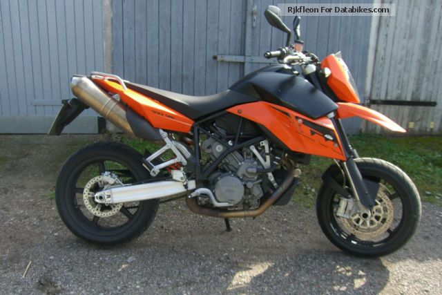KTM  SM 990 2009 Super Moto photo