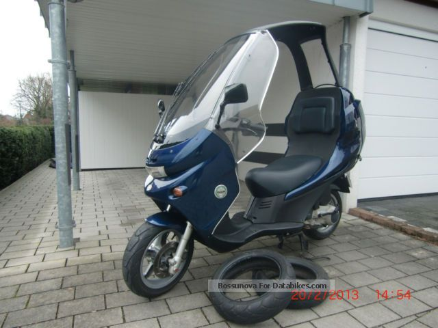 2002 Benelli  Adiva 125 , Roof, NEW TANK NECK . + TUV, similar . BMW C1 Motorcycle Scooter photo