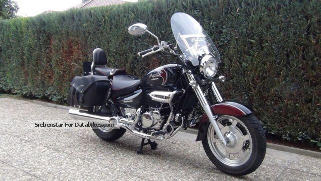 2013 Hyosung  GV 250 18 MONTHS WARRANTY REMAINING! Motorcycle Chopper/Cruiser photo