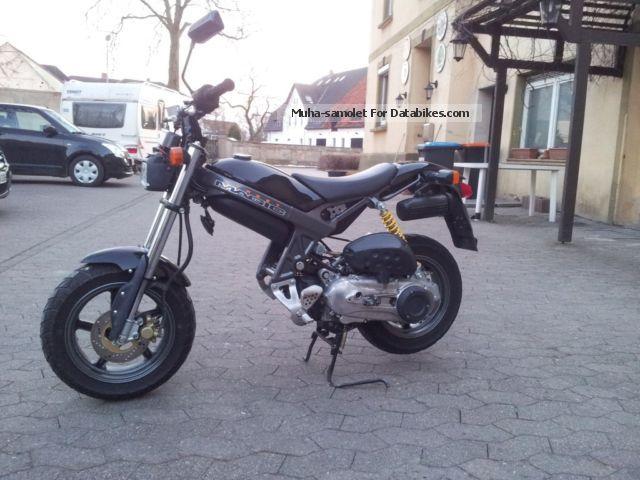1998 Suzuki  Street Magic TR 50 S Motorcycle Scooter photo