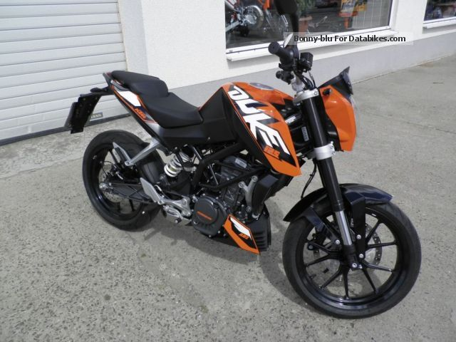 2013 KTM  125 Duke, brand new car with ABS Motorcycle Naked Bike photo