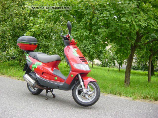 1999 Piaggio  SKR Motorcycle Scooter photo