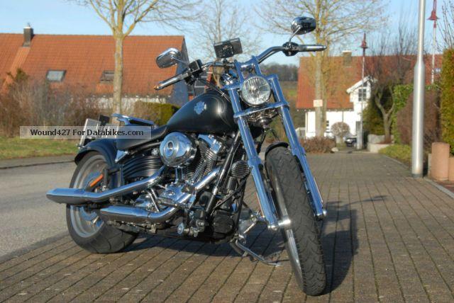 2011 Harley Davidson  Harley-Davidson Rocker C 1802 cc 150 Nm thrust Motorcycle Chopper/Cruiser photo