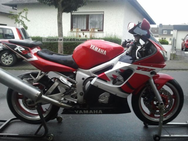 2000 Yamaha  R6 Motorcycle Sports/Super Sports Bike photo