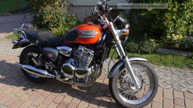 2002 Triumph  Thunderbird Motorcycle Naked Bike photo