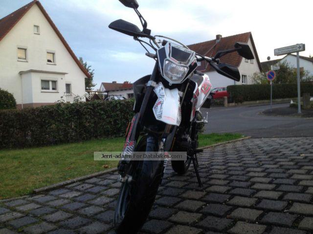 2013 Generic  TR 125 Motorcycle Super Moto photo