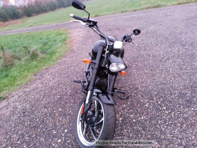 2013 VICTORY  Hammer Motorcycle Chopper/Cruiser photo