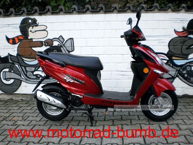 2012 Hyosung  NewTee Up 50 Motorcycle Scooter photo