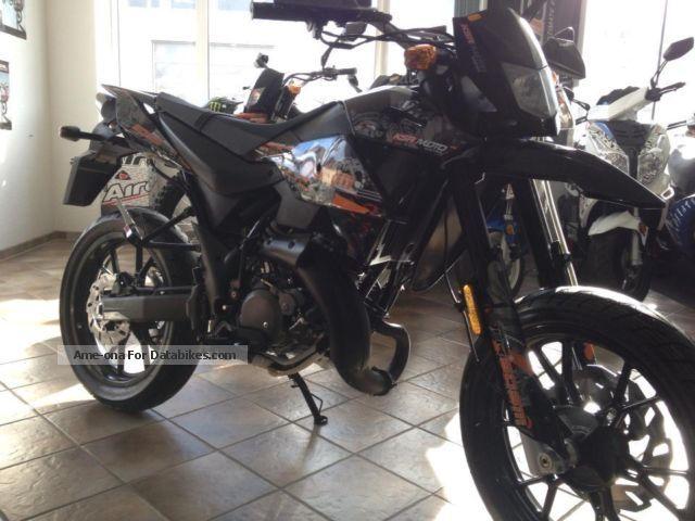 2012 Generic  TR 50SM Motorcycle Super Moto photo