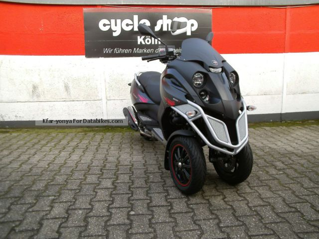 2012 Gilera  Fuoco 500 € 300 incl Clothing set Motorcycle Scooter photo
