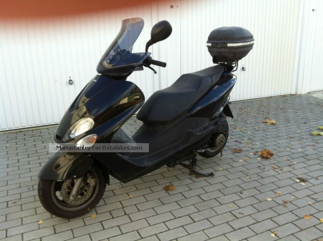 2006 MBK  Skyliner Motorcycle Scooter photo