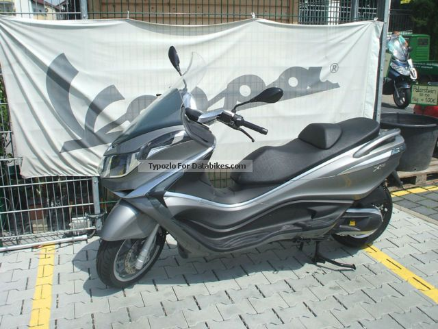 2013 Piaggio  X10 350 ABS Motorcycle Scooter photo