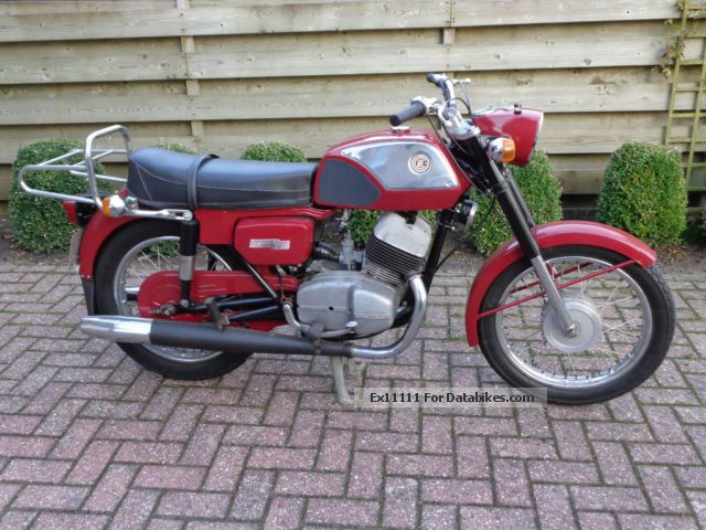 Jawa  CZ 250 sport 1975 Vintage, Classic and Old Bikes photo