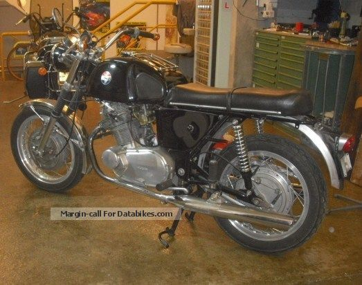 Laverda  750 GT 1969 Vintage, Classic and Old Bikes photo