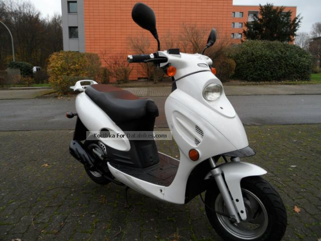 2007 Baotian  MKS Ecobike Panter 50 Mother of Pearl White Motorcycle Scooter photo