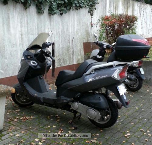2010 Daelim  SQ125 Freewing Motorcycle Lightweight Motorcycle/Motorbike photo