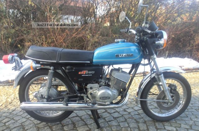 1979 Suzuki  GT 250 Motorcycle Naked Bike photo