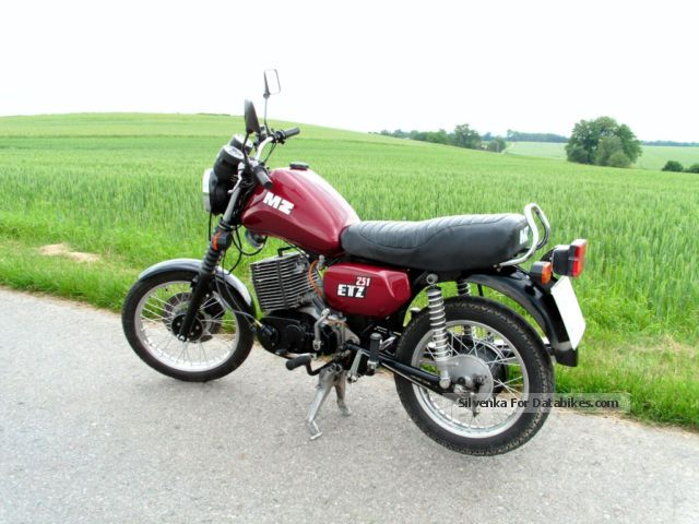 1990 Mz 251