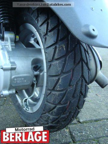2013 Piaggio Vespa LX50 2T Black MOT 50cc 2 Stroke Moped
