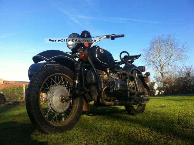1980 Ural  Dnepr 16 Motorcycle Combination/Sidecar photo