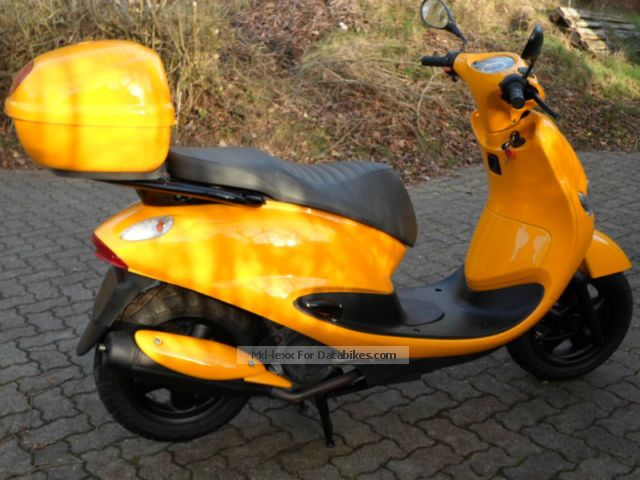 2001 MBK  XN 125 Teos Dodoo Motorcycle Scooter photo