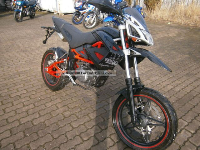 2012 Megelli  125 SM Motorcycle Super Moto photo