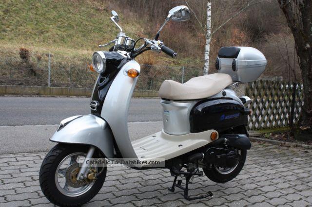 2007 Baotian  Milestorm 50 Motorcycle Scooter photo