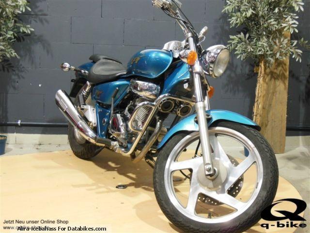 2003 Daelim  VT VS 125 Motorcycle Motorcycle photo