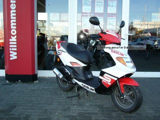 2013 Daelim  S-Five 50 2 stroke SJ Best Warranty Motorcycle Scooter photo