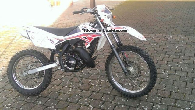 2012 Beta  rr Standard 50 Motorcycle Enduro/Touring Enduro photo