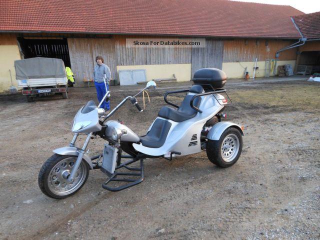 2010 Boom  Fun Motorcycle Trike photo