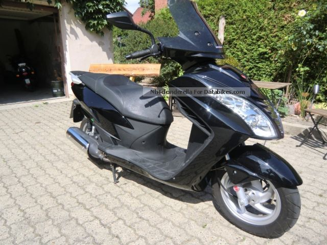2012 Malaguti  Blog 125 Roller TOP condition Motorcycle Scooter photo