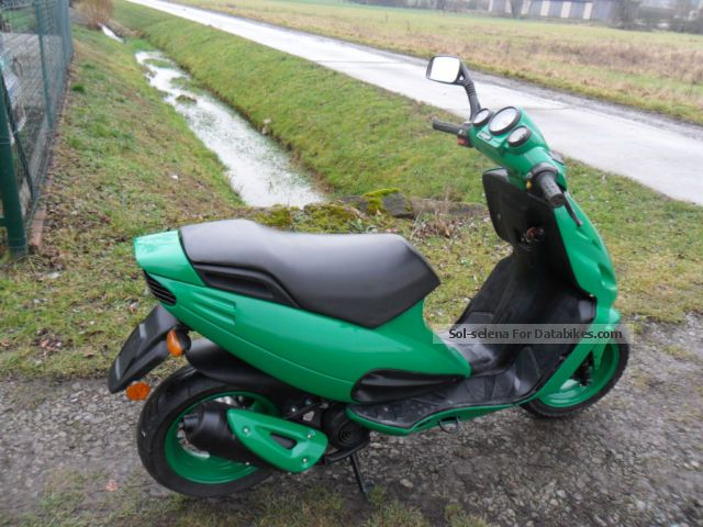 2002 Malaguti  F12 Motorcycle Motor-assisted Bicycle/Small Moped photo