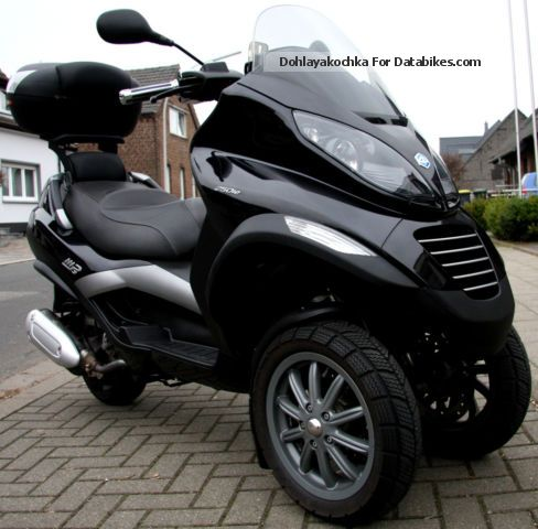 2012 Piaggio  Beautiful MP3 scooter 250cc brand i.e. Motorcycle Scooter photo
