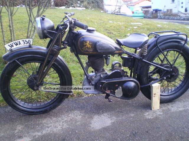Triumph  350 Sport Classic Car 1930 Vintage, Classic and Old Bikes photo