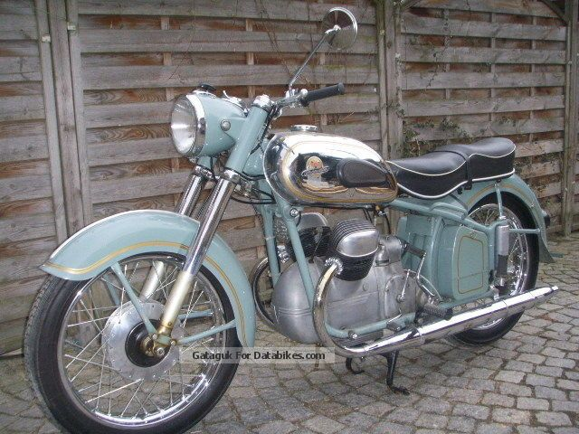 VICTORY  Victoria Bergmeister v 35 \ 1954 Vintage, Classic and Old Bikes photo