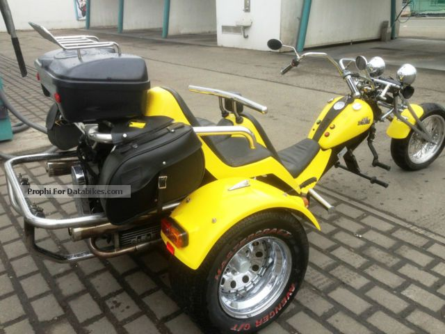 1999 Boom  familly Motorcycle Trike photo