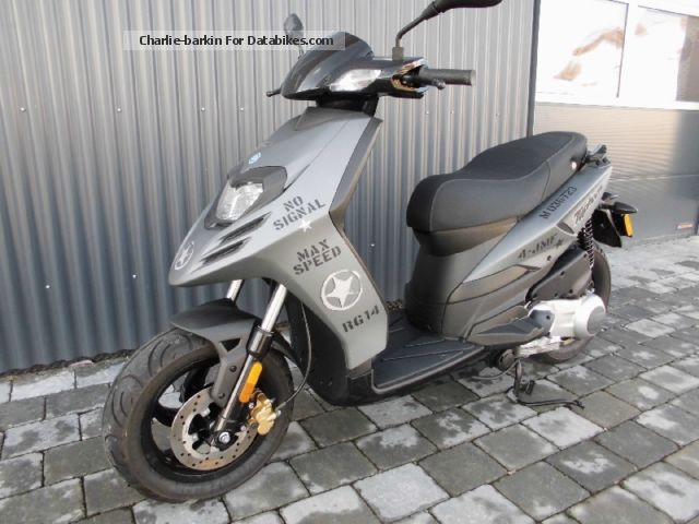 2011 Piaggio  125 Typhon as New Motorcycle Scooter photo