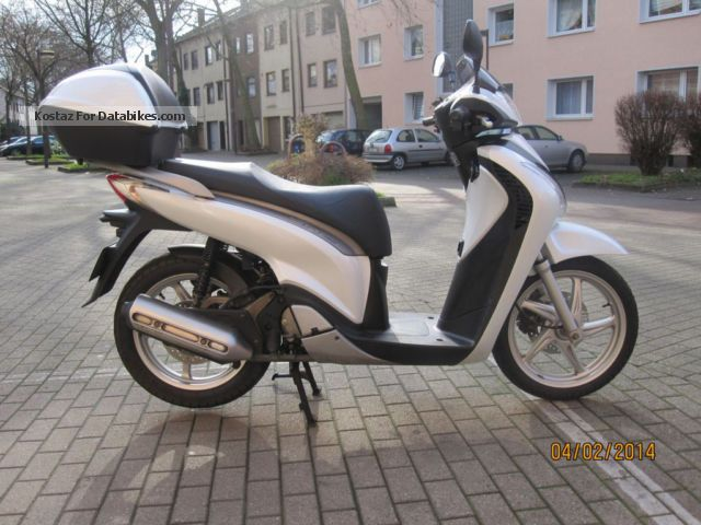 2012 Honda  SH 125 i case, mint condition Motorcycle Scooter photo