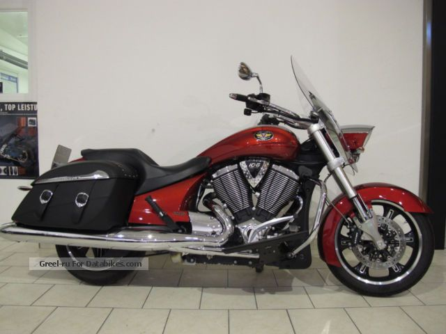 2012 VICTORY  Crossroad ABS Motorcycle Chopper/Cruiser photo