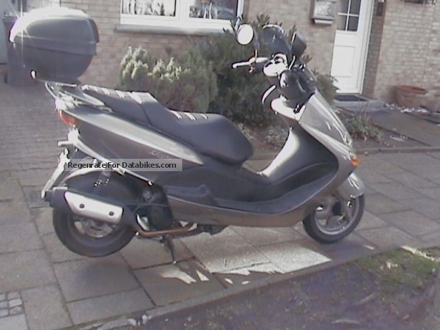 2005 MBK  Skyliner Motorcycle Scooter photo