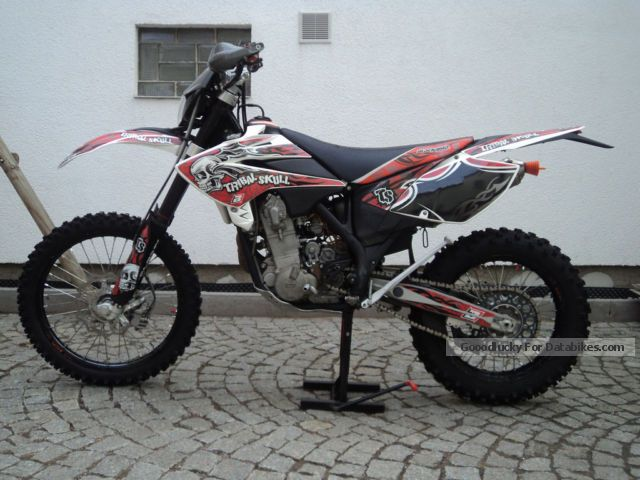 2009 Beta  525 RR Motorcycle Enduro/Touring Enduro photo