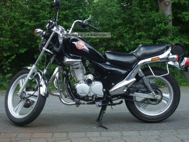 1997 Daelim  VS127F Motorcycle Chopper/Cruiser photo