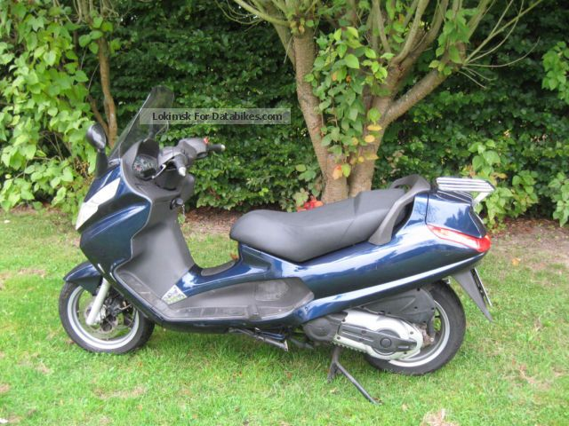 2007 Piaggio  400 he X8 with 34hp Motorcycle Scooter photo