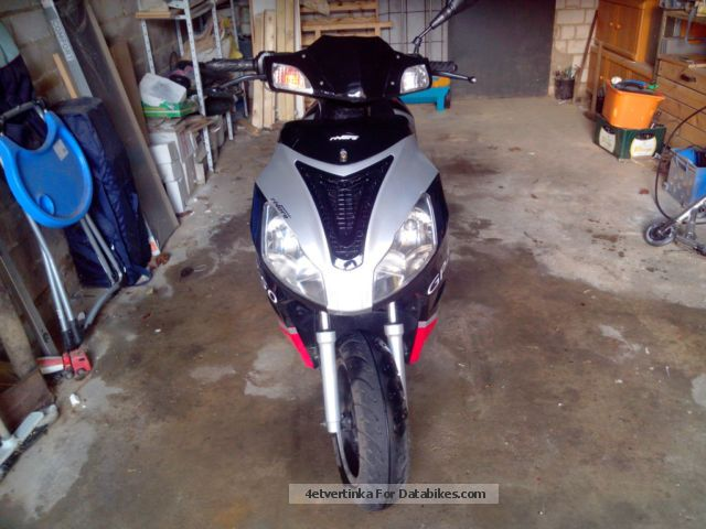 2013 Rivero  GP-50 moped / scooter Motorcycle Scooter photo
