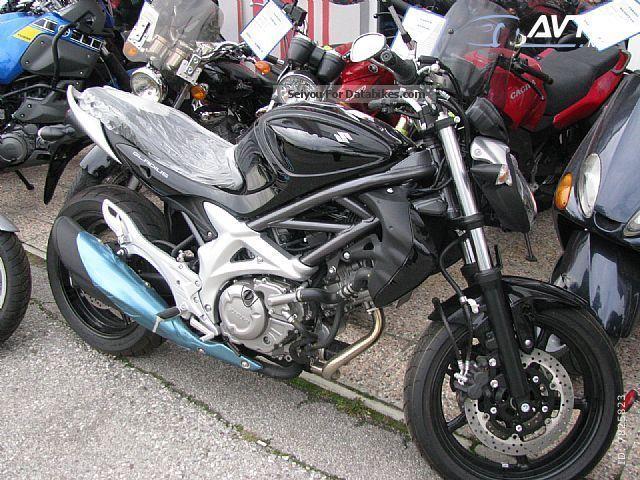 2012 Suzuki  GLADIUS 650 Motorcycle Naked Bike photo