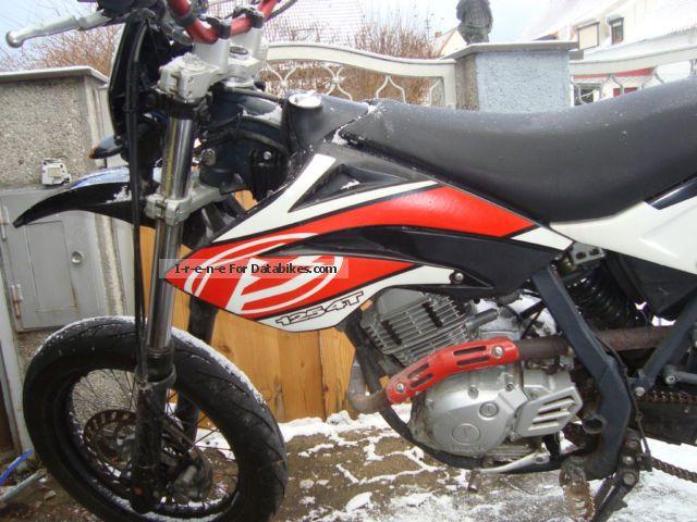 2006 Beta  125 RR 4 - stroke Rider Motorcycle Super Moto photo